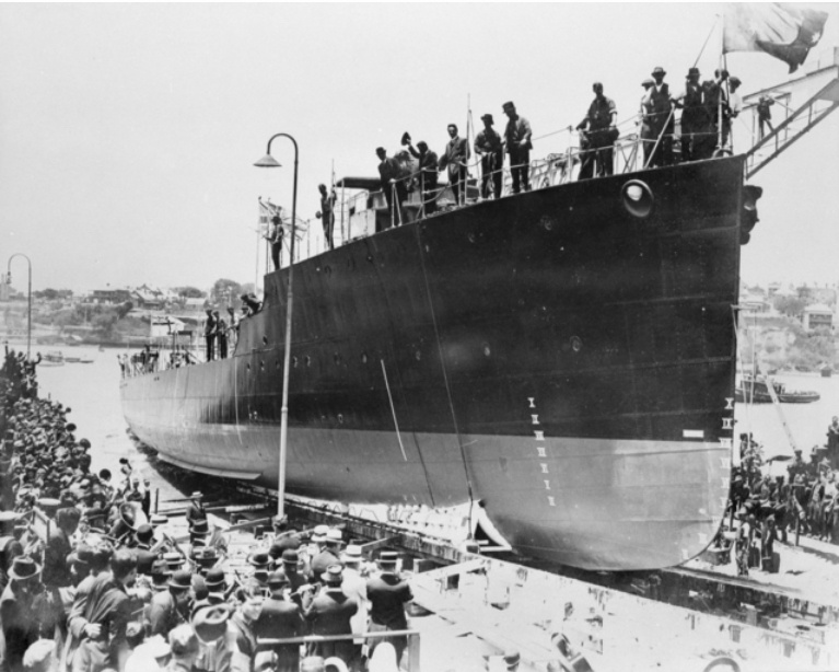Swan was launched on 11 December, 1915 by Lady Creswell at Cockatoo Island Dockyard.