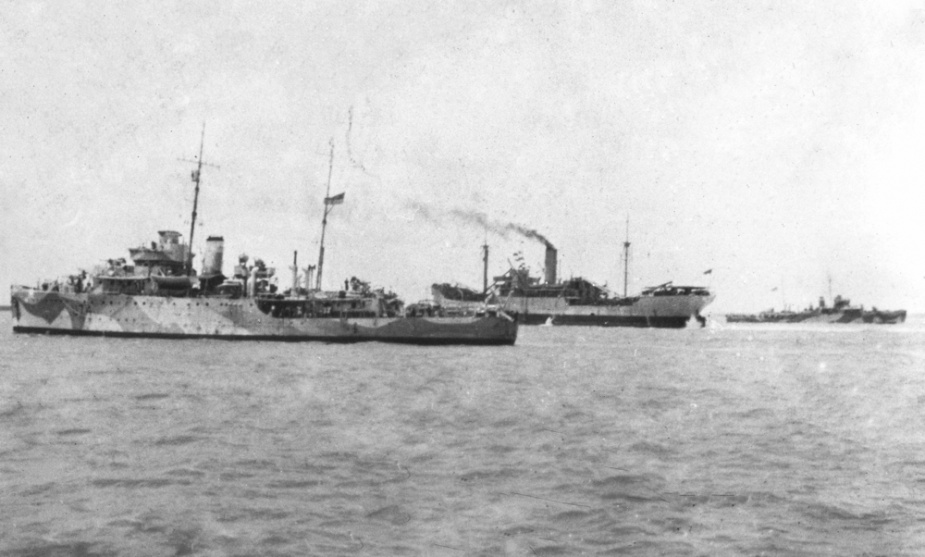 HMAS Swan, USAT Mauna Loa and HMAS Warrego at Darwin, just prior to raid of 19 Feb 1942.