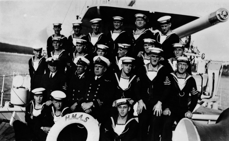 Members of HMAS Yarra's Engineering Faculty