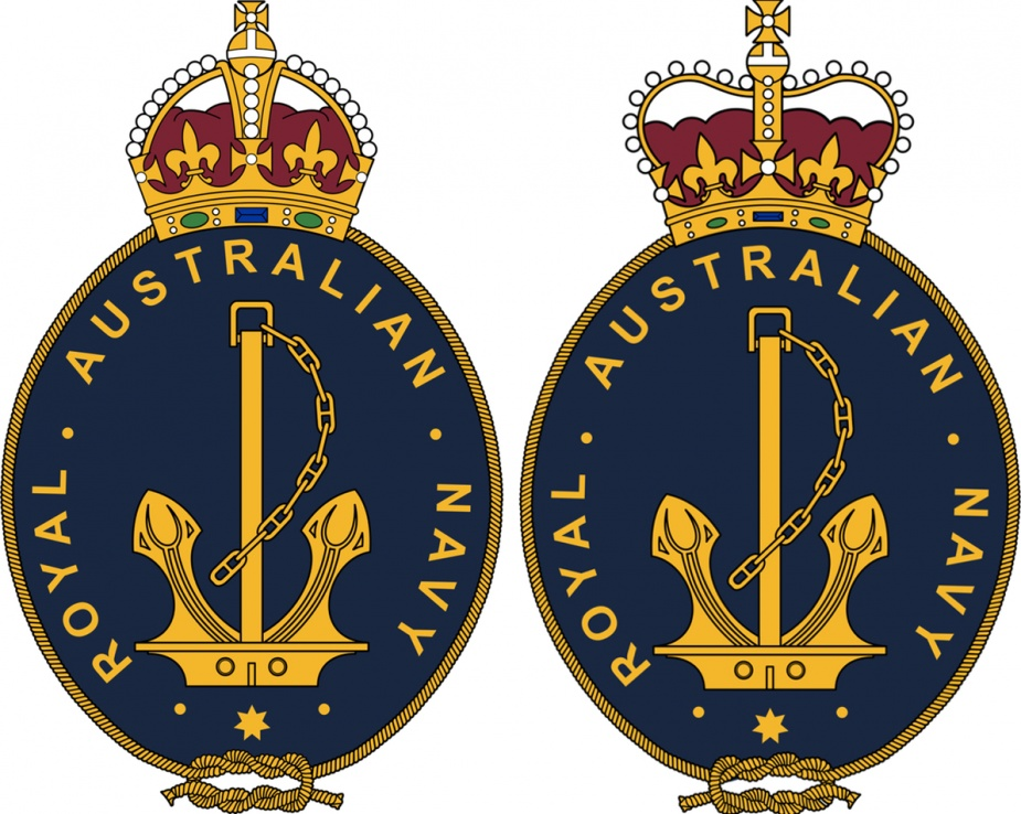 Left: The official badge of the RAN instituted on 23 Aughust 1949 per CNO 262/49. Right: The official badge of the RAN displaying the St Edward's crown, instituted on 3 December 1957 as per CNO 1149/57.