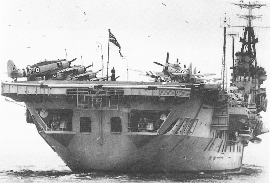 Sydney on her arrival back in her namesake port, 5 March 1952.
