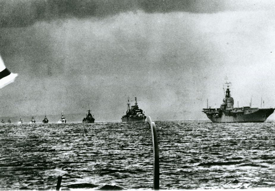 Sydney leads HMA Ships Australia, Tobruk, Shoalhaven, Murchison, Macquarie, Latrobe, Wagga, Cootamundra, Gladstone, Colac and Cowra into Port Melbourne.