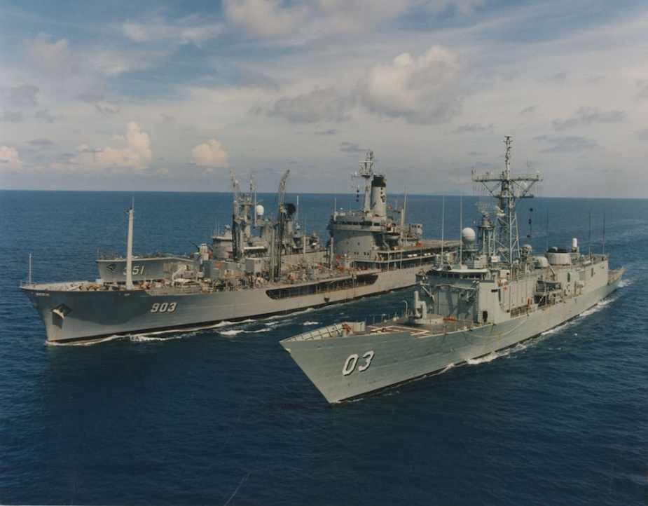 Sydney conducting exercises with the Indonesian Naval Ships Arun (903) and Ahmad Yani (351) in 1996.