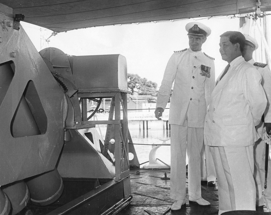 Captain R.I. Peek, RAN in conversation with Ngo Dinh Diem, President of the Republic of Vietnam onboard Tobruk in December 1957.
