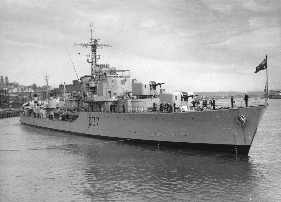HMAS Tobruk turns at rest prior to leaving port
