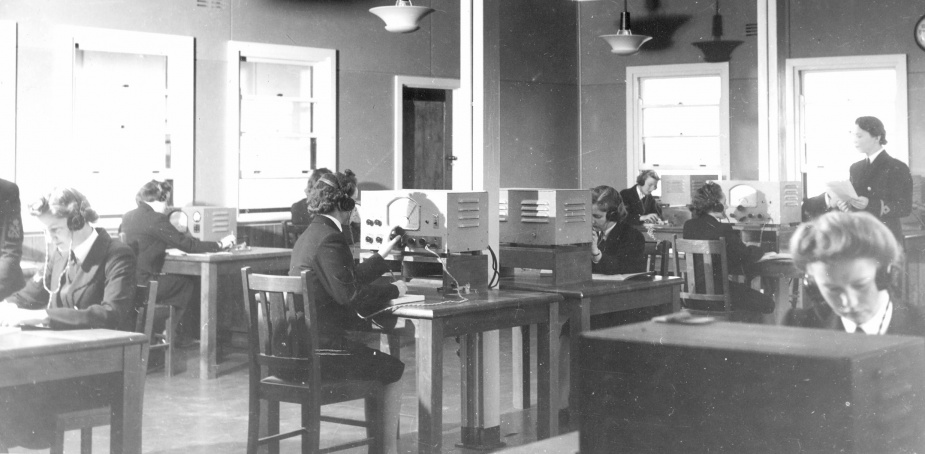 WRANS telegraphists on watch at the Harman W/T station during World War II.
