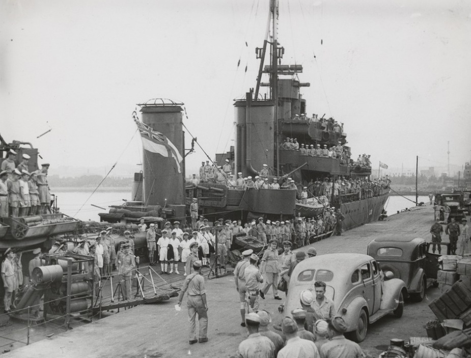 Warramunga along side in Japan following the cessation of hostilities. State Library of Victoria, Argus Collection