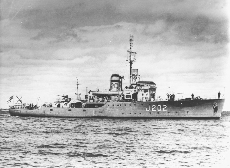 Warrnambool as she appeared when part of the 20th Minesweeping Flotilla.