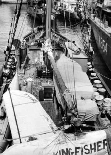 HMAS Wyatt Earp preparing to leave for the Antarctic