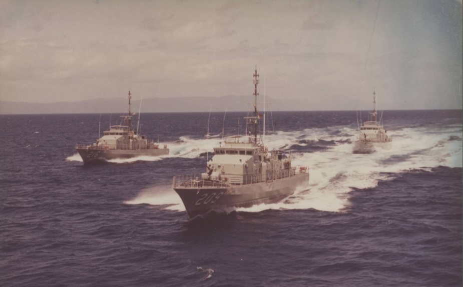 HMAS Ipswich in company with two of her sister Fremantle Class Patrol Boats