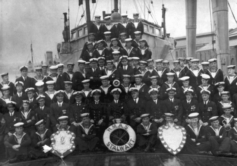 HMAS Stalwart's ships company circa 1925.