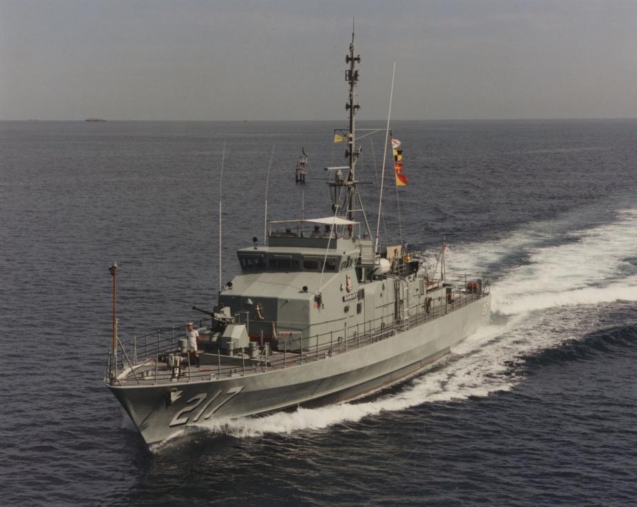 HMAS Bunbury at sea.