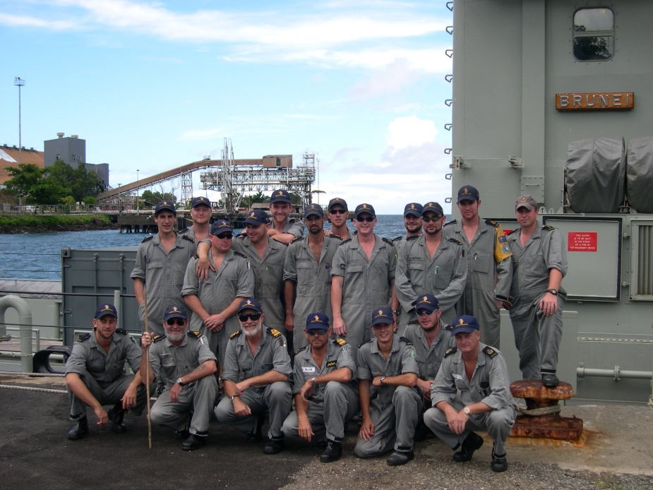 HMAS Brunei's ship's company at Loloho wharf, Bougainville, 2003