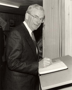His Excellency the Governor-General Bill Hayden signs the guest book at the Naval Aviation Museum in 1988.