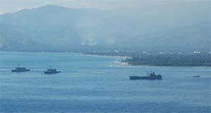 Amphibious Ready Group off Dili, May 2006 (RAN)