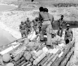 CDT 3 Ordnance Disposal Vietnam.