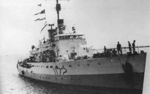 HMAS Wollongong (I) at sea