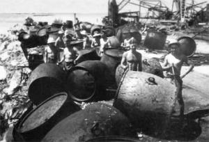 Buoy maintenance. (NAA 150/1)