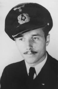 Kapitanleutnant Helmut Pich.