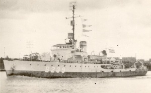HMAS Cairns (I)